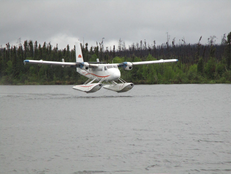 float-plane-landing-2