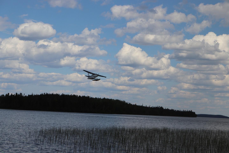 float-plane-on-approach