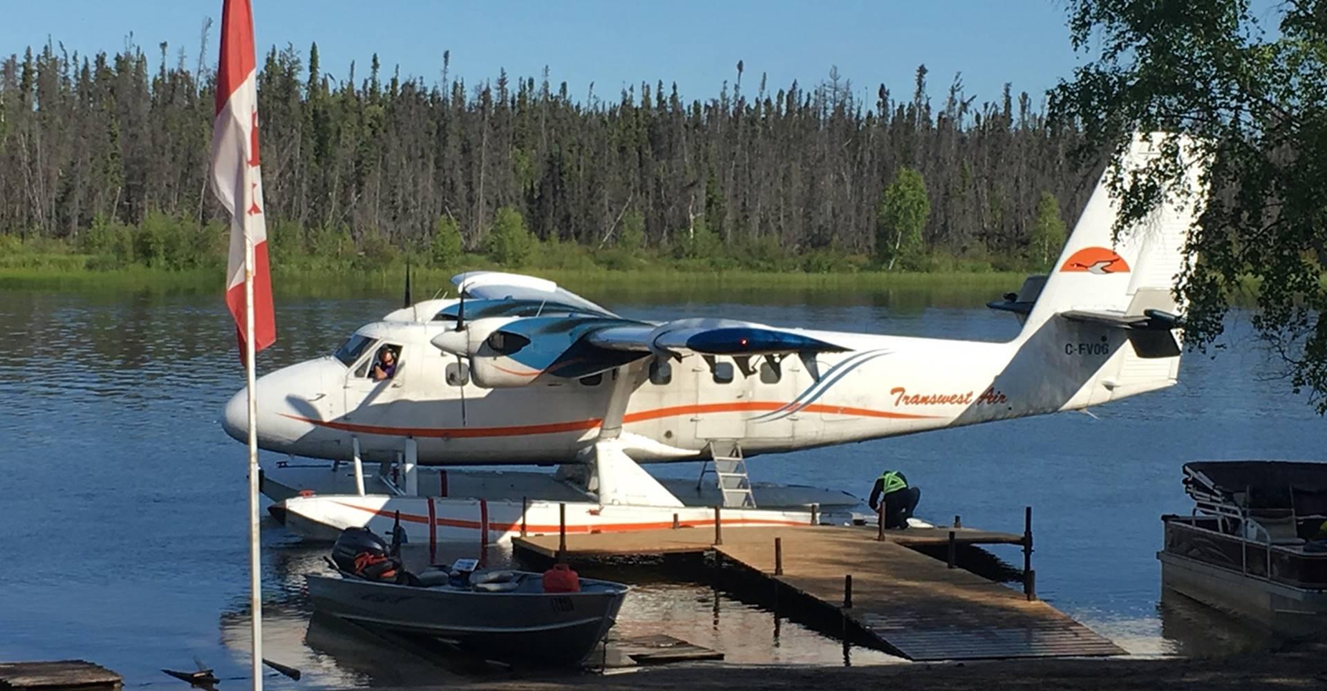 float-plane-at-dock