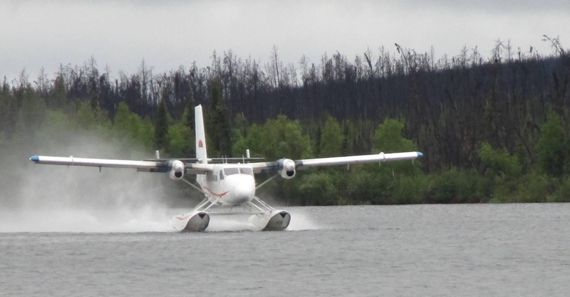float-plane-landing